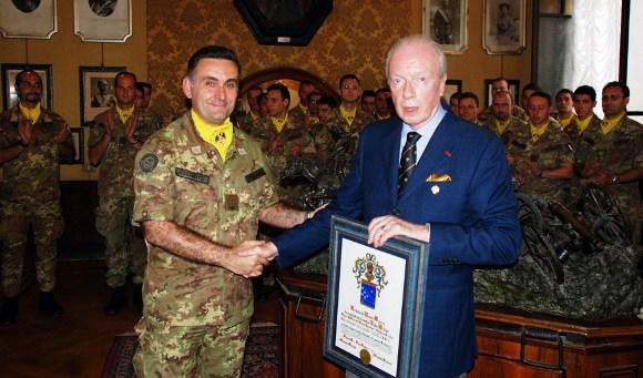 18 giugno 2007 - Il Reggimento Artiglieria a Cavallo «Socio d'Onore» dell'Istituto del Nastro Azzurro - Un momento della cerimonia