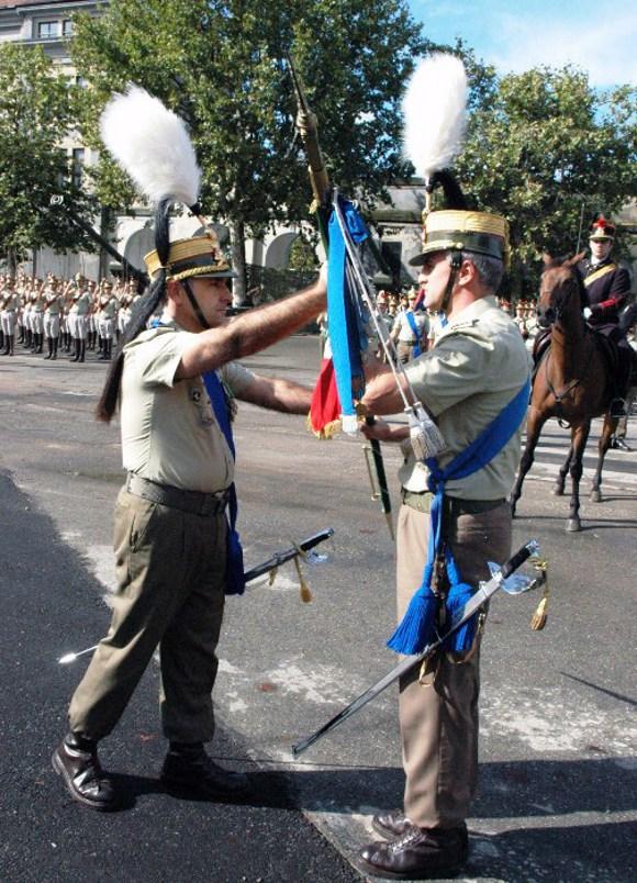 28 settembre 2007 - Nuovo Comandante di Reggimento - Il passaggio dello Stendardo