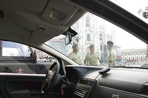 Militari delle Voloire nel servizio Strade Sicure a Milano