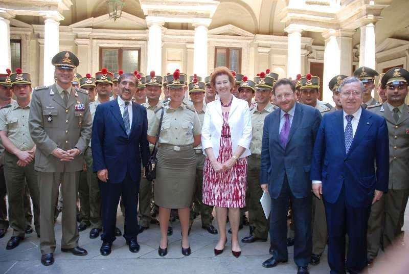 Milano ringrazia le Voloire - Foto commemorativa di gruppo