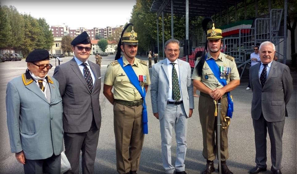 Da sinistra a destra: il 1° Cap. Pirani, presidente ANArtI Milano, l'Avv. Yuri Tartari, il Ten. Col. Cristiano Zappalà, il presidente nazionale Gen.D. Camillo de Milato, il Ten. Col. Antonio Ivano Romano, il Col. Donato Eramo.