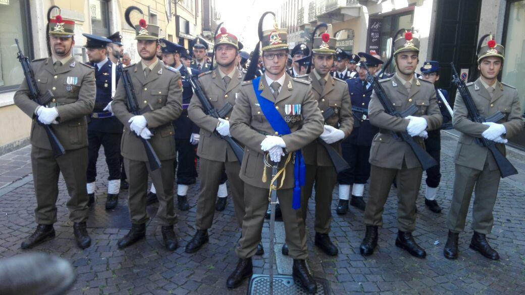 2 giugno 2017, il Picchetto del Reggimento Artiglieria a Cavallo a Lodi